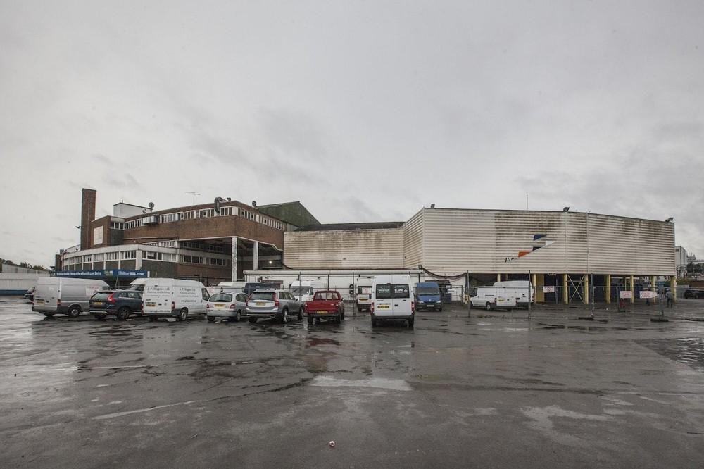 plough-lane-greyhound-stadium-closing-down-body-image-1473419100-size_1000